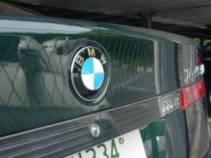 BMWトランクエンブレム