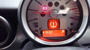 R56タイヤ空気圧警告